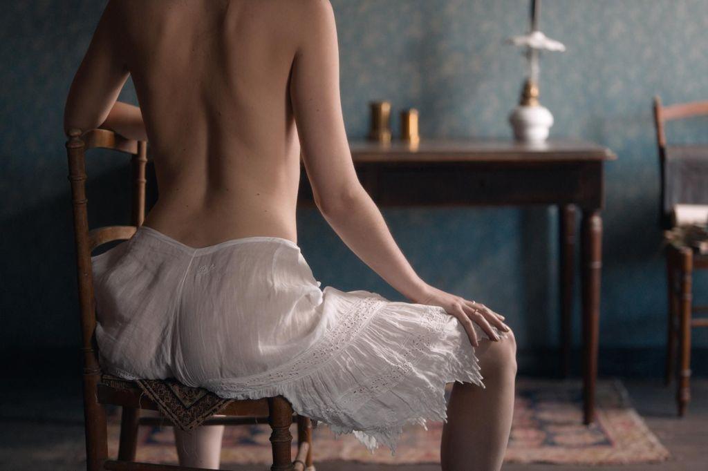 Questa immagine ha l'attributo alt vuoto; il nome del file è curiosa-recensione-film-erotico-firmato-lou-jeunet-v5-46121.jpg